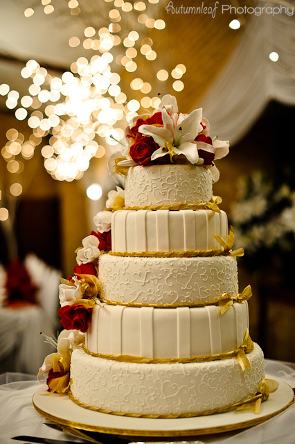 Laura and Elvis's Wedding-Wedding Cake