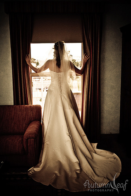 Courtney & Glen - Bride at Window